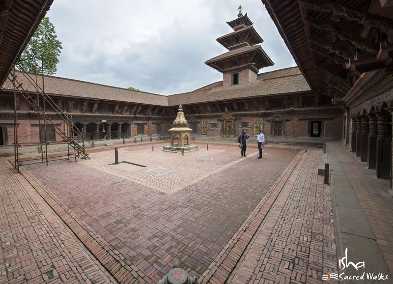 Temple Town – Episode 3 of Isha Kailash 2010 Travel Journal